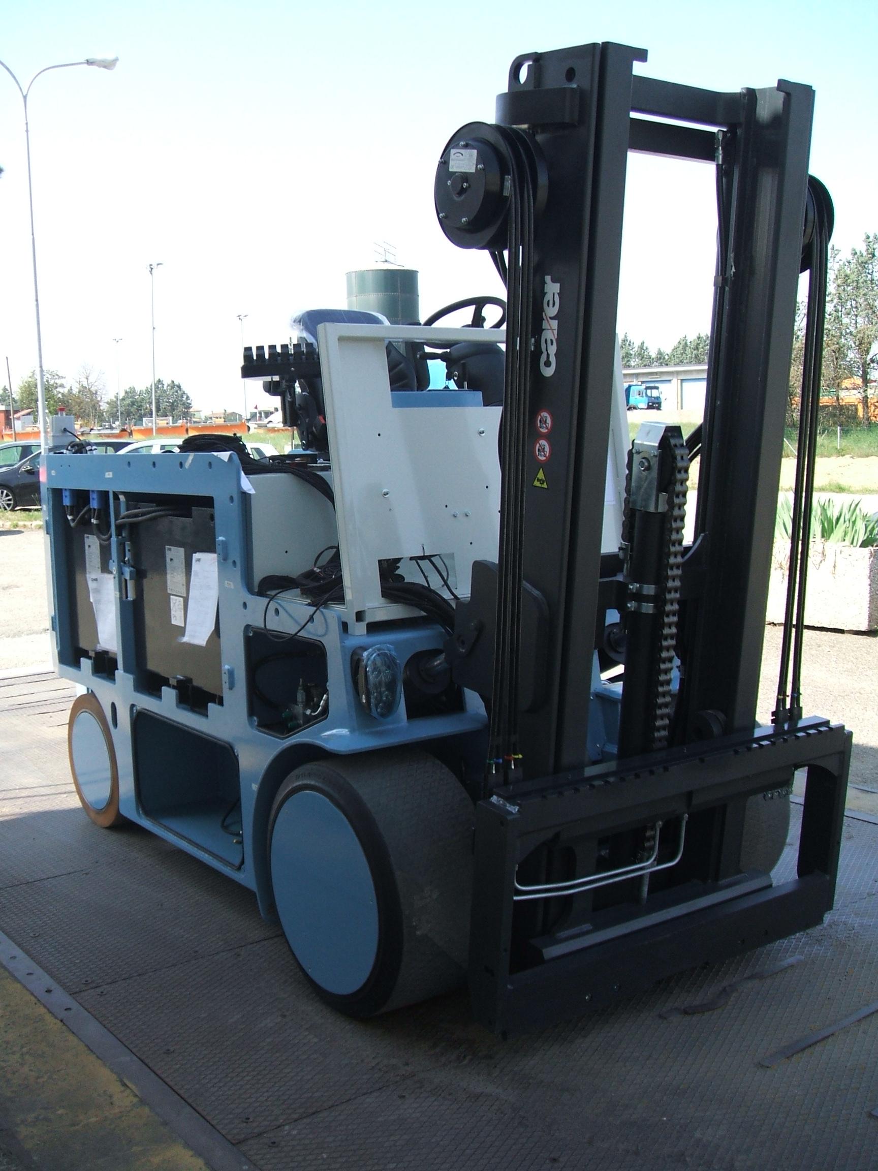 Electric Forklift R70N RESCASSE